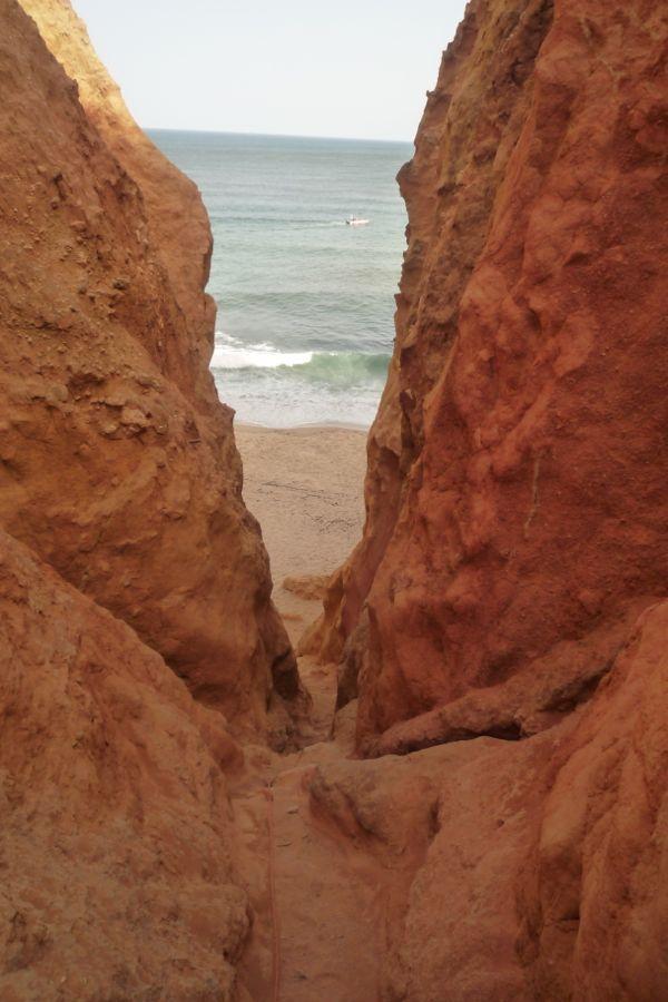 lagos cliff